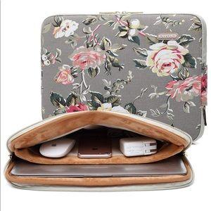 Handbags - Floral Laptop Sleeve